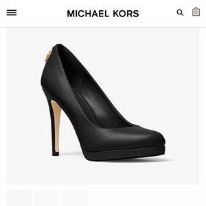 Black Michael Kors Pumps / Heels